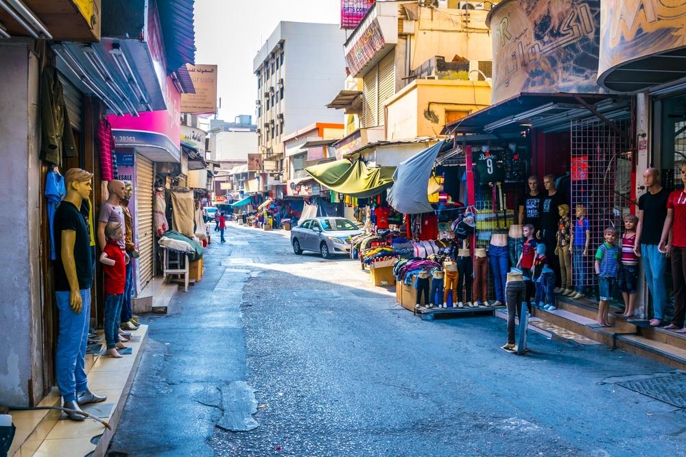 Сувенирные лавки в квартале Баб аль-Бахрейн
