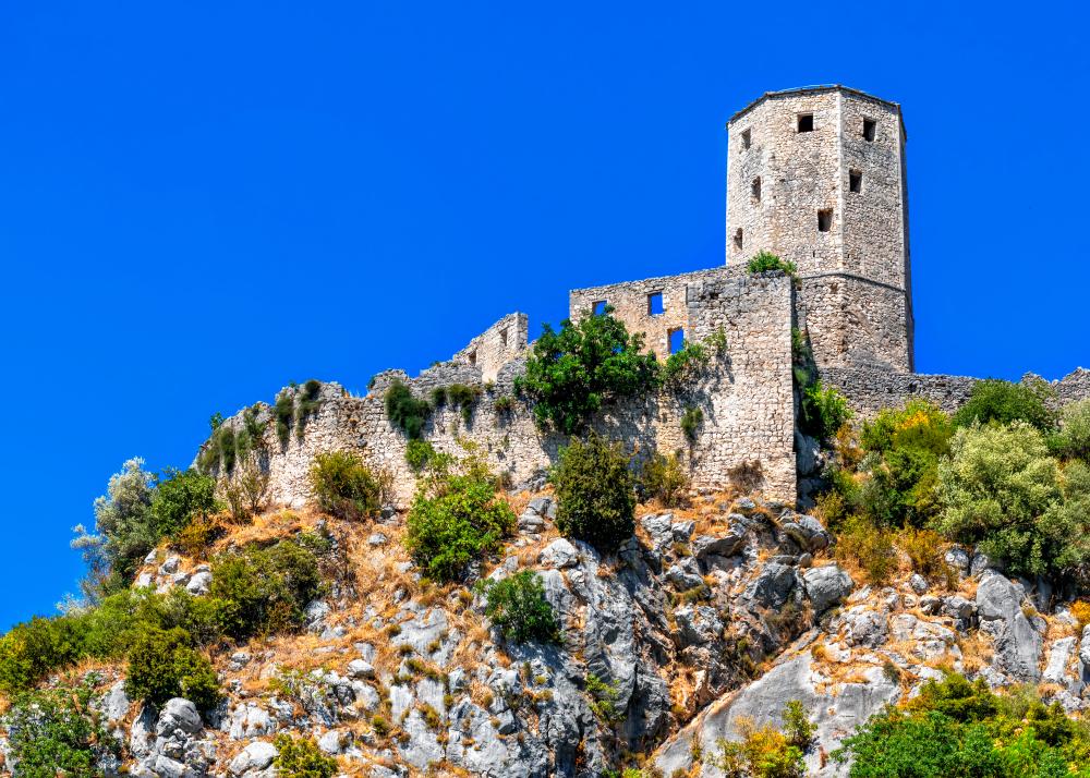 Крепость Почитель в долине реки Неретвы в Боснии и Герцеговине