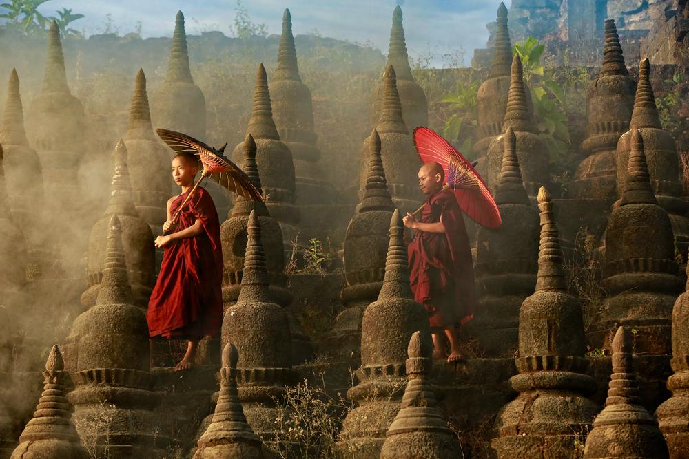 Буддистские монахи в Мьянме