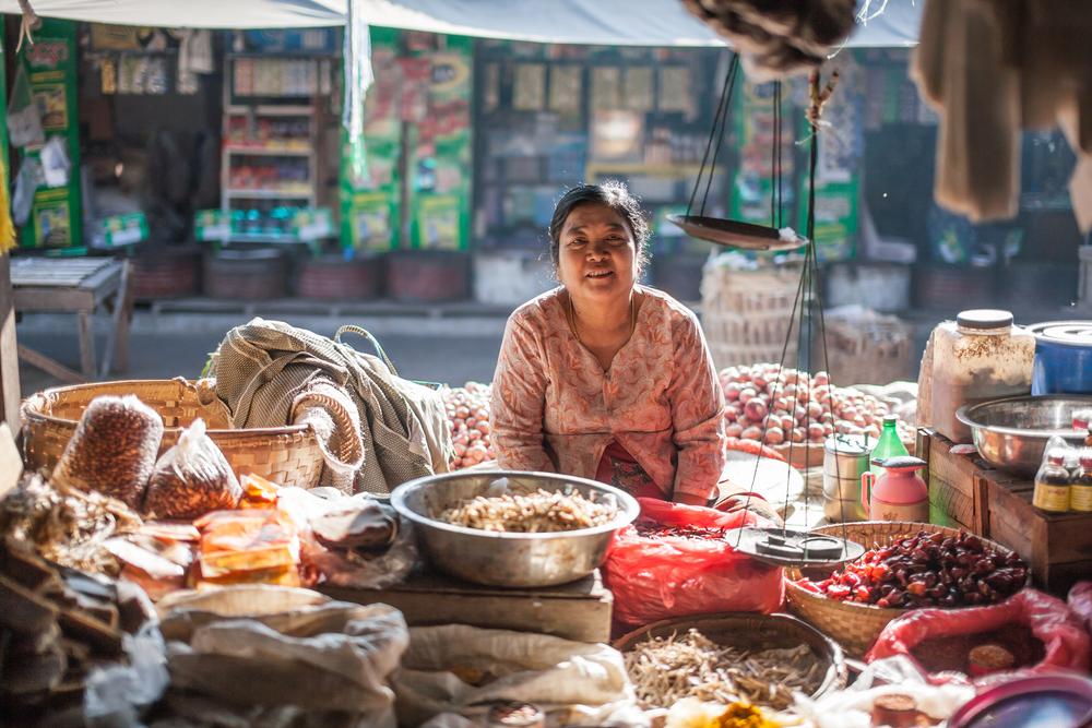 Круглосуточный рынок в Мьянме