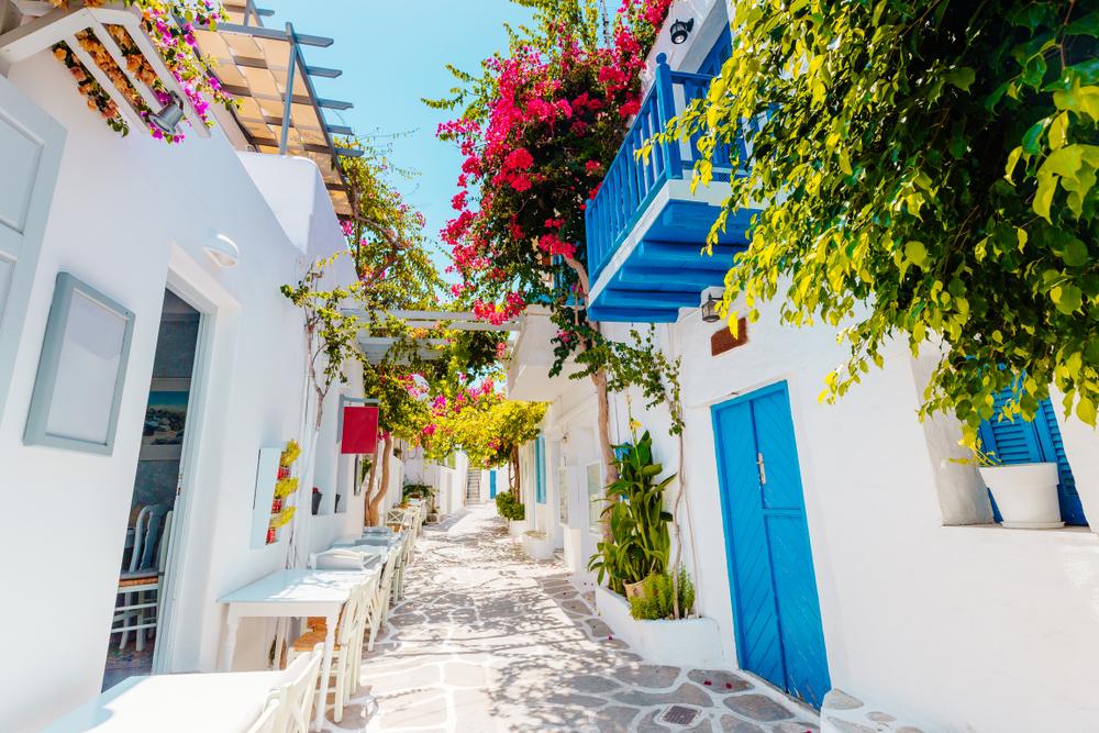 Традиционная улица на острове Парос
