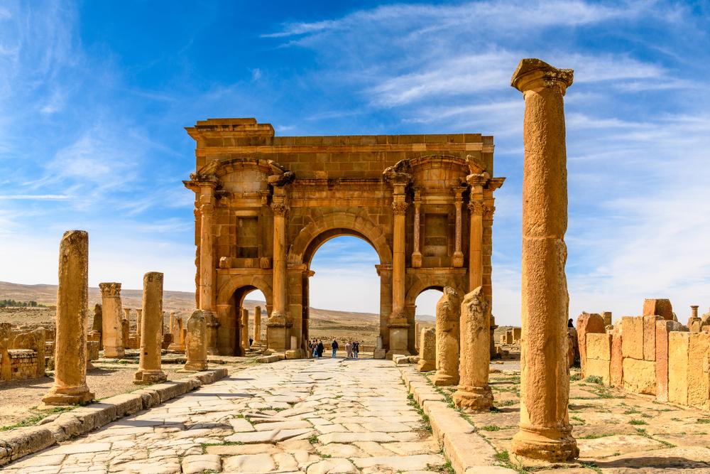 Римская арка Траяна в Тимгаде