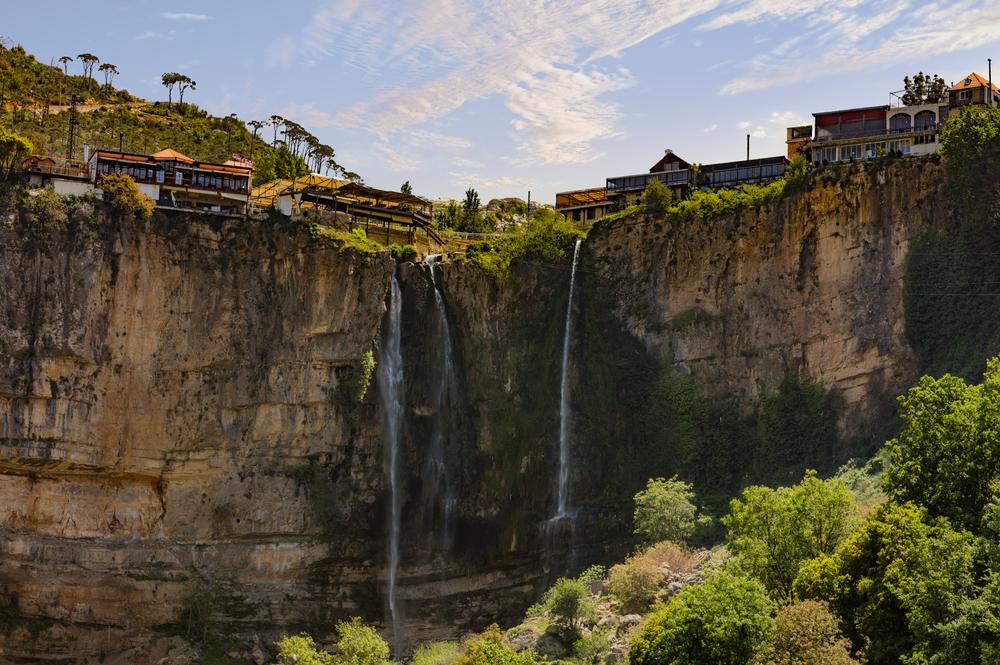 Водопады недалеко от города Джеззин