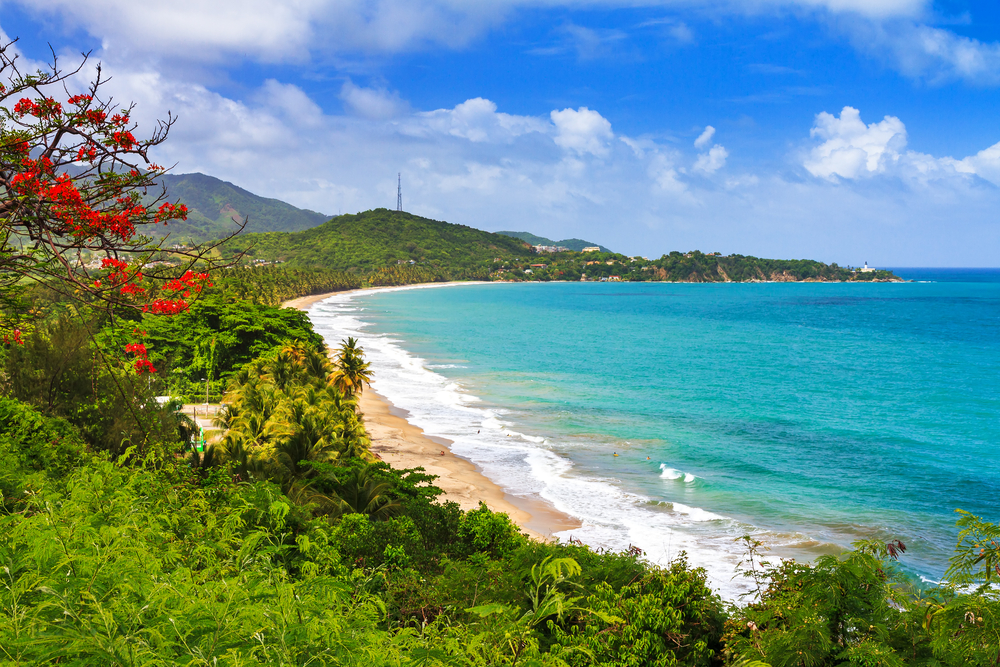 Вид на один из пляжей Пуэрто-Рико