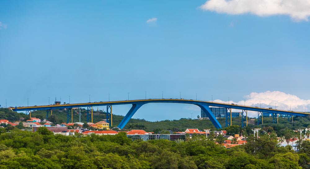 Мост Куин Джулия в Виллемстаде