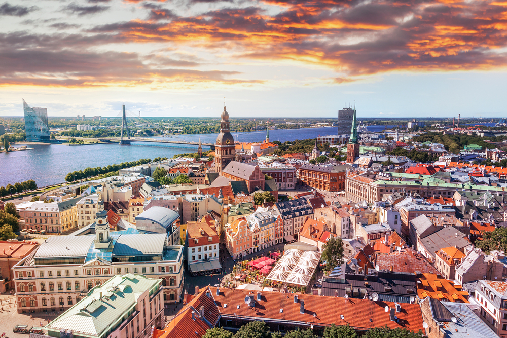 В чем нюансы визы в латвию для россиян. Нужен ли загранпаспорт для въезда в латвию