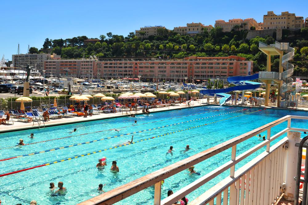 Общественный бассейн в Монте-Карло, Монако