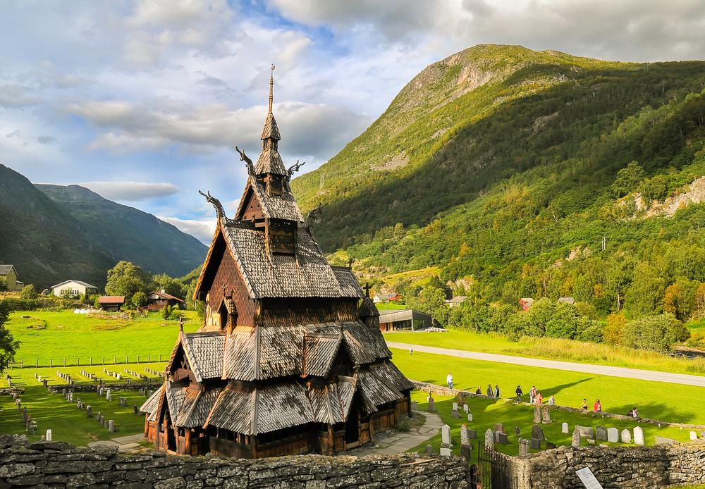 Деревянная церковь на западе Норвегии