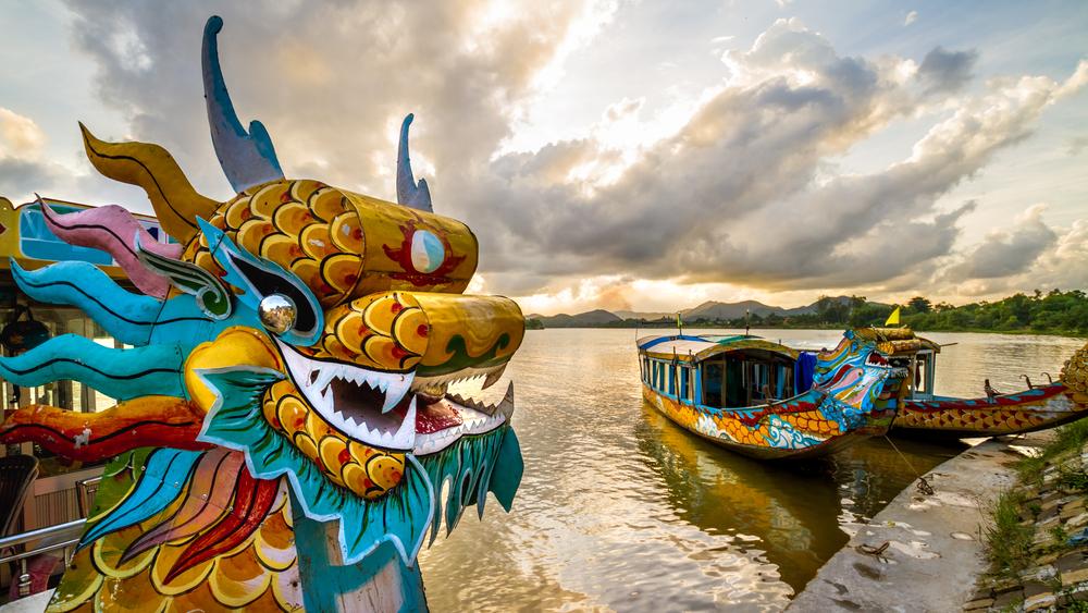 Лодка в виде дракона во Вьетнаме