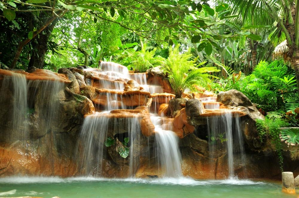 Водопад в лесах Коста-Рики