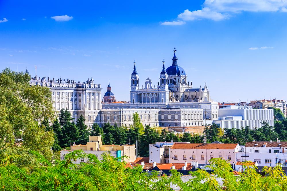 Собор Альмудена и Королевский дворец в Мадриде