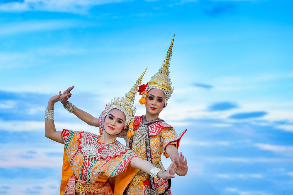 Танцовщицы в Таиланде
