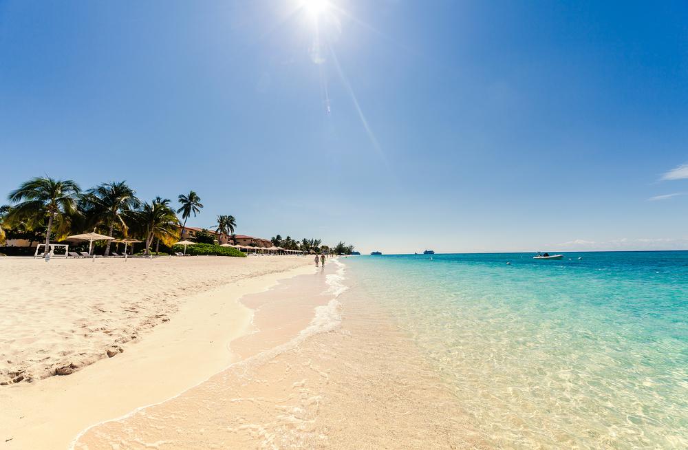 Пляж на Большом Каймане