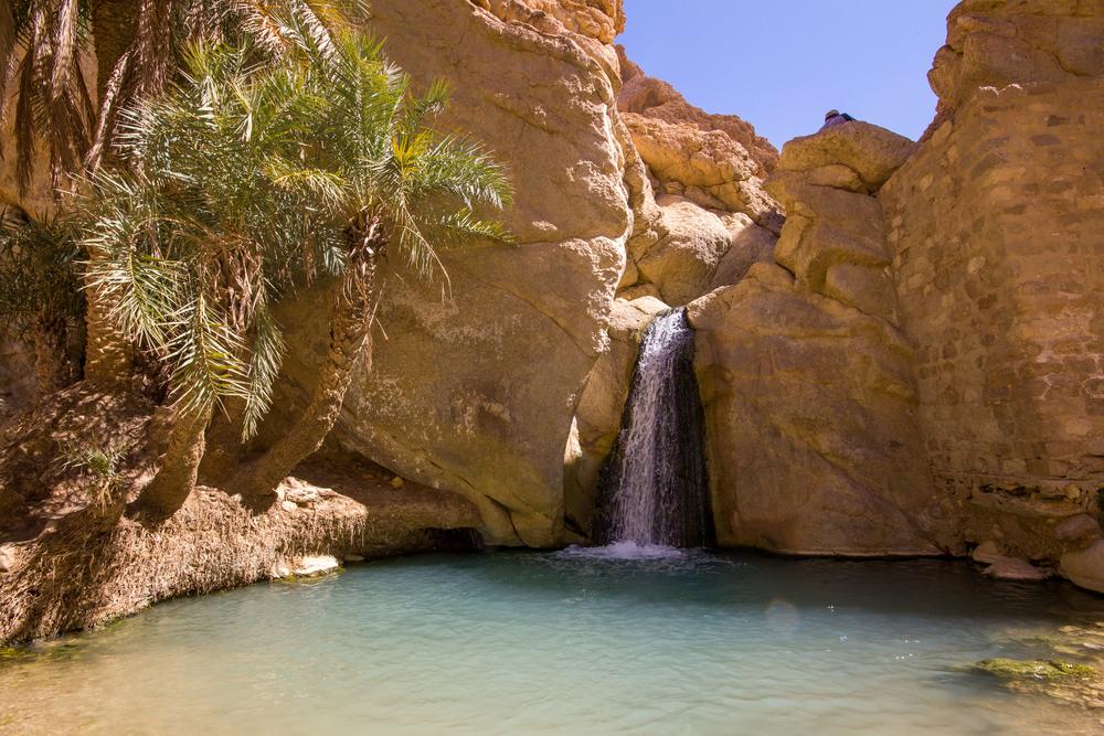 Водопад в оазисе