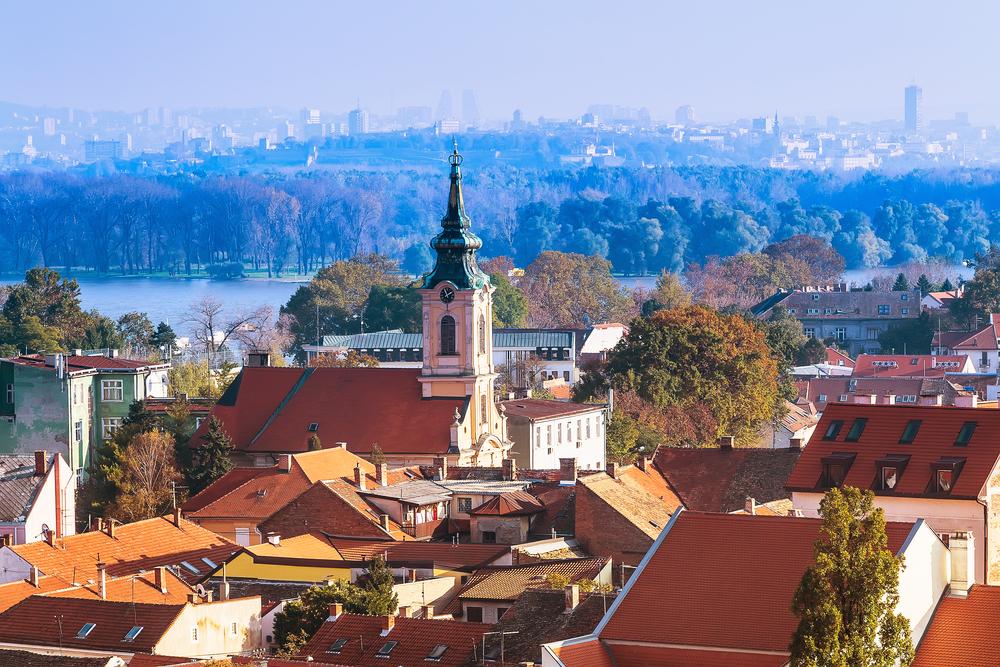 Панорамный вид на Земун в Белграде