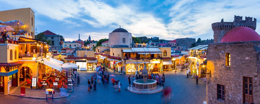 Площадь Гиппократа в Старом городе