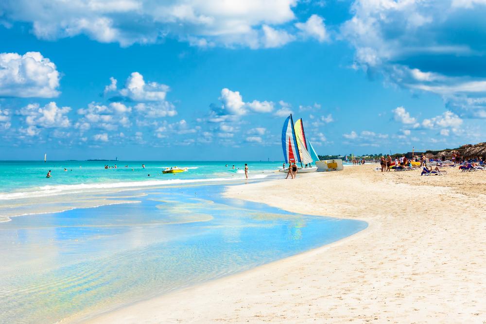 Знаменитый пляж Варадеро