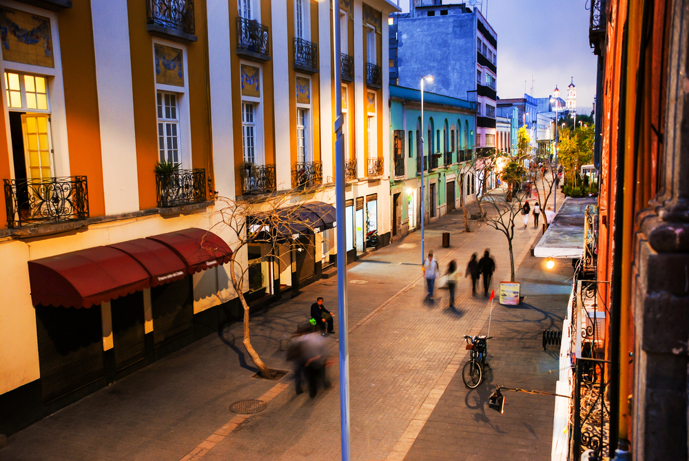 Ночная жизнь в столице Мексики