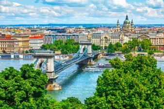 Цепной мост на реке Дунай. Будапешт, Венгрия