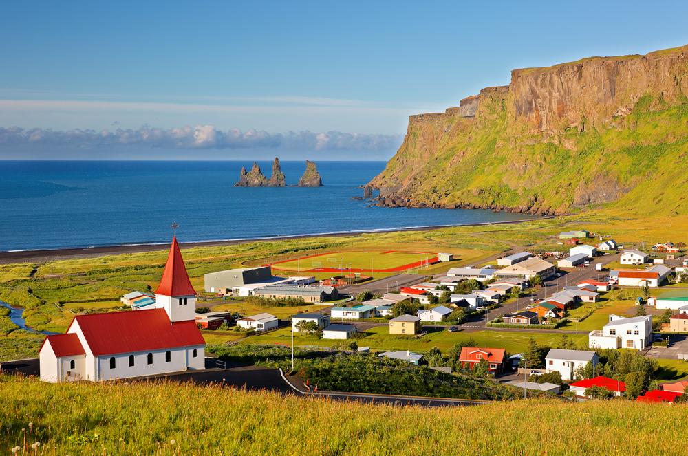 Церковь на вершине горы Вик, Исландия