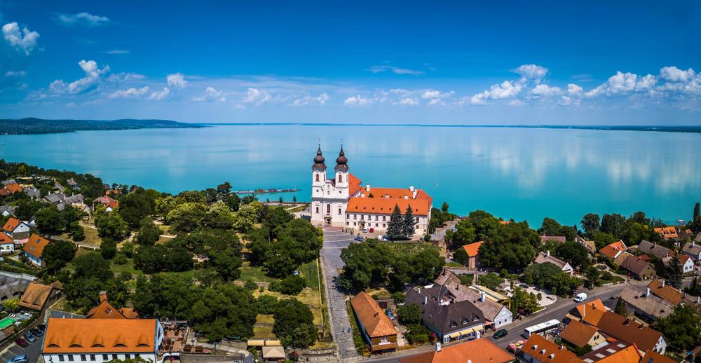 Тихань, Венгрия
