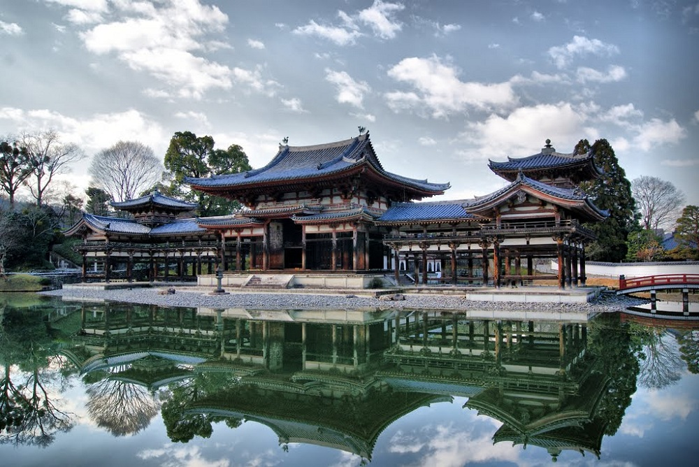Буддийский храм Бёдоин в городе Удзи, префектура Киото