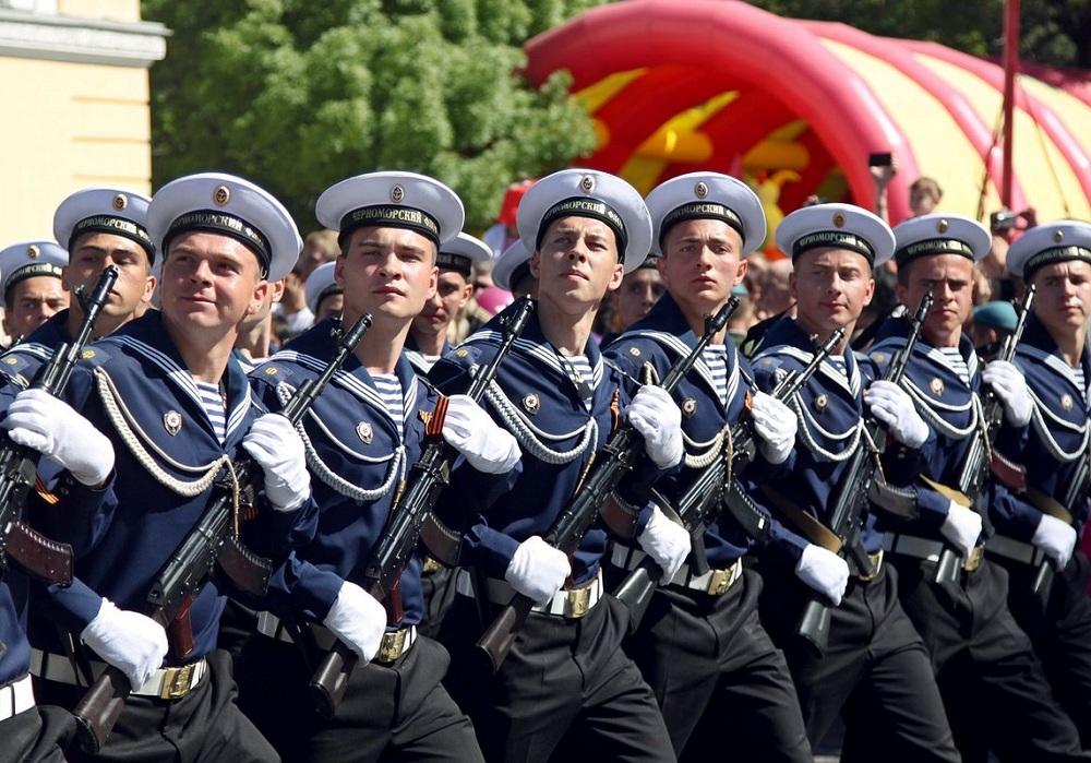 Моряки в Новороссийске