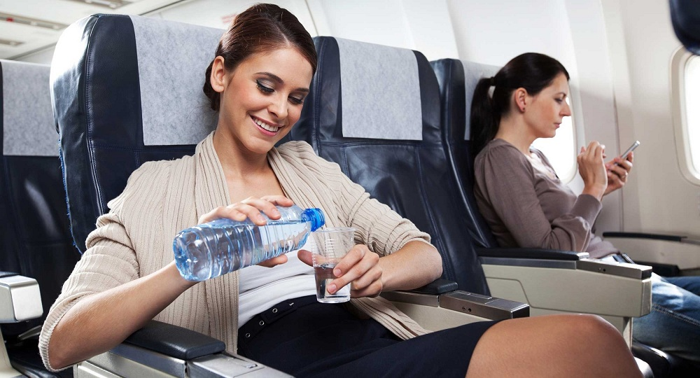 Употребление воды во время полета
