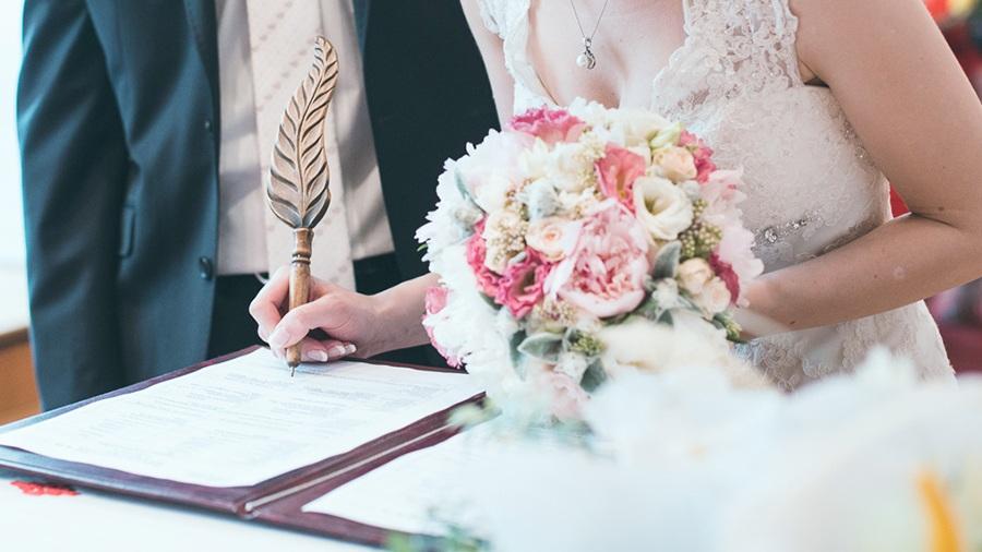Переезд за границу в связи с заключением брака