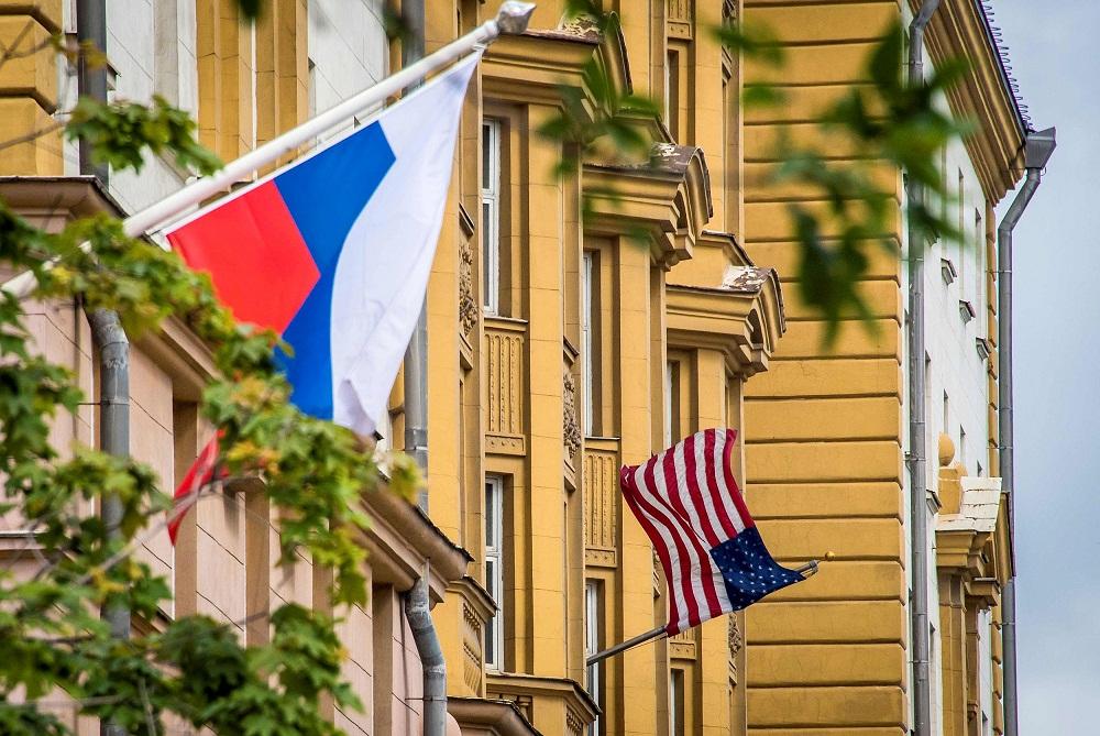 Работа в посольствах за границей