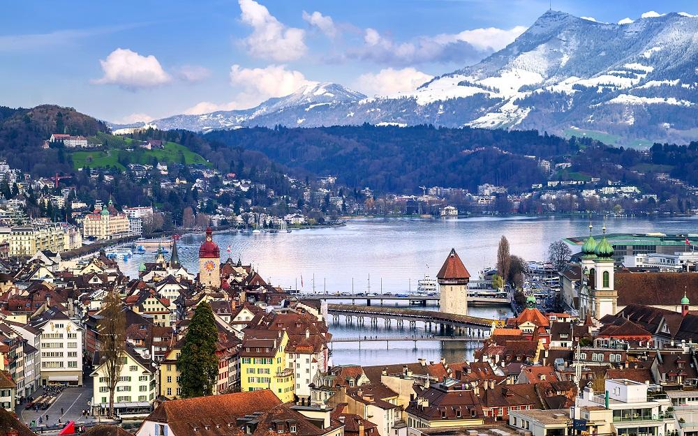 Средние зарплаты в Швейцарии