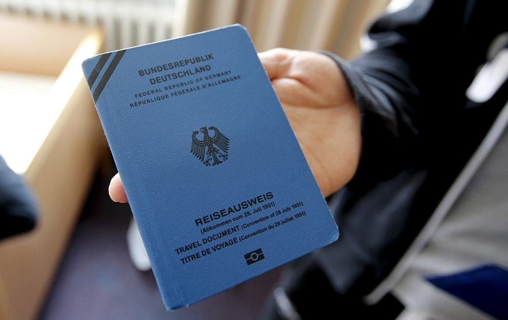 Паспорт беженца в Германии