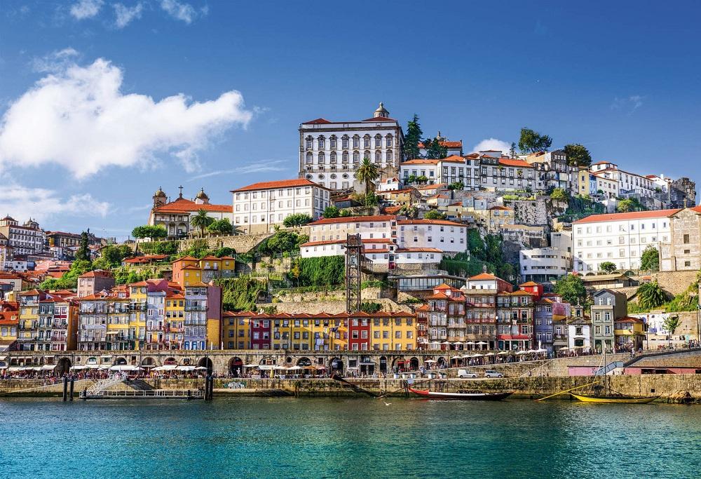 Зарплата в португалии
