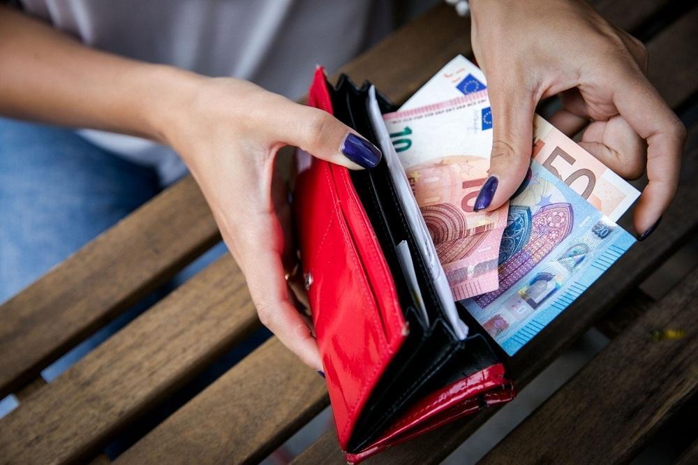 Зарплата в Литве