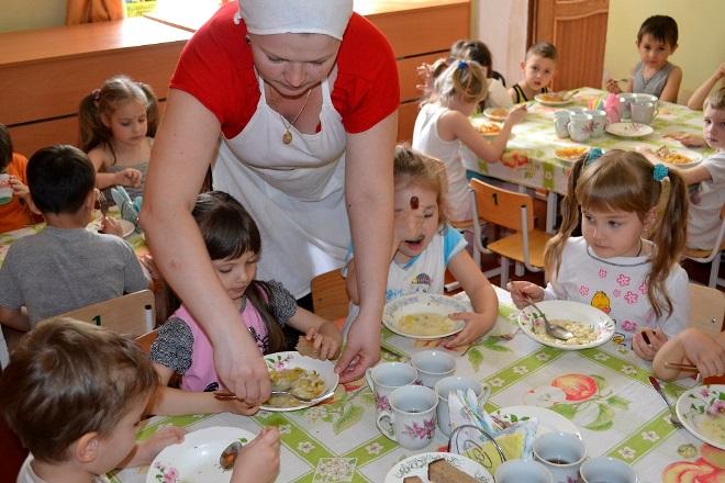 Зарплата воспитателя детского сада