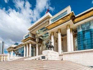 Работа в Монголии: как легально устроиться по профессии