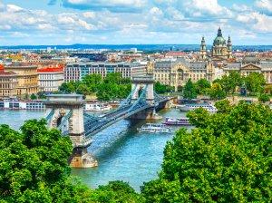 ВНЖ в Венгрии: какие способы получения существуют