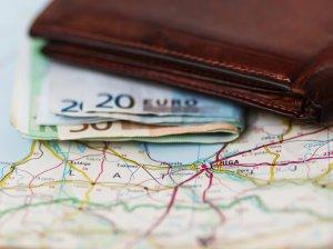 Уровень заработной платы в Латвии сегодня